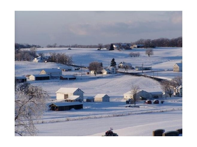 Holmes County, Ohio is one of the largest Amish Communities in the nation. You'll find many restaurants that serve Amish cooking, stores that sell country crafts and plenty of hand crafted goods.