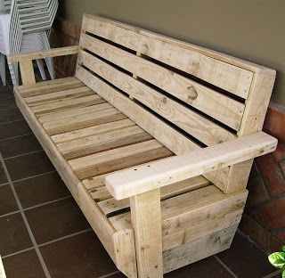 Garden bench made out of pallets