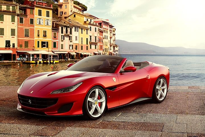 Ferrari Portofino with all the features of the new GT model: mechanics, engine, power, size, and design.