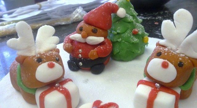 Με 4 μόνο υλικά φτιάξτε αυτα τα Χριστουγεννιάτικα  γλυκάκια!