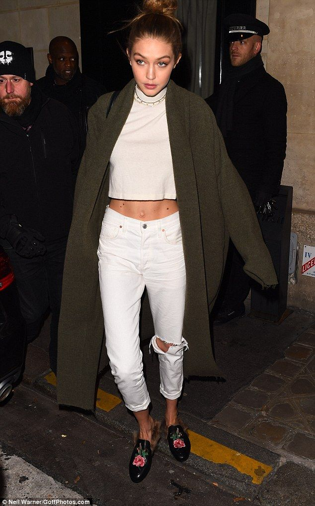 Supermodel proportions: The girlfriend of Zayn Malik showcased her tiny waist in the ab-flashing ensemble