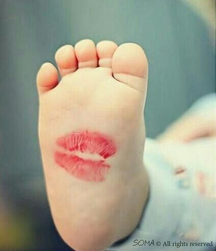 Kiss - I can never resist kissing baby feet - so perfect!~!