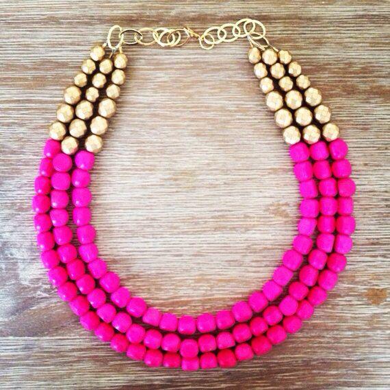 Hot Pink and Gold Statement Necklace por icravejewels en Etsy