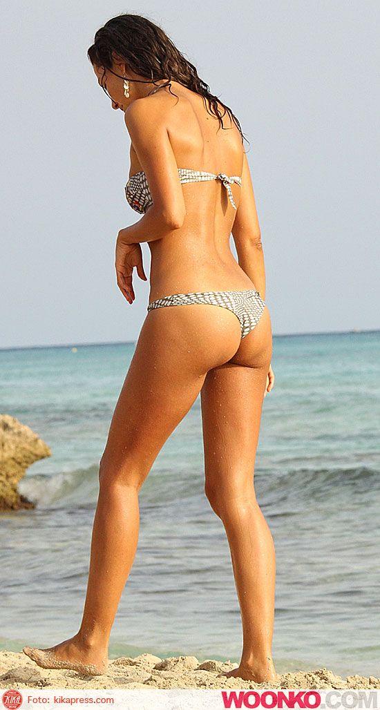 laura-barriales-hot-in-bikini-al-mare-a-formentera-in-dolce-compagnia-estate-2012-3.jpg (550×1028)