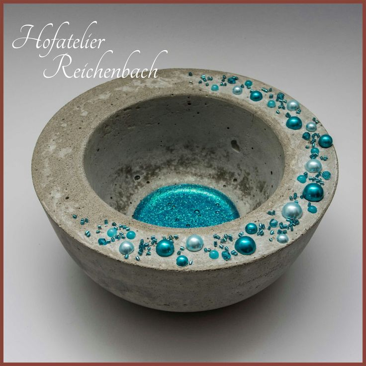 Betonschale mit blauen Perlen Teil 2 / Concrete bowl with blue pearls Part 2