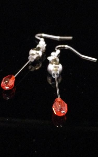 Vintage Hypodermic Needle Earrings - http://ift.tt/2ojmSzF