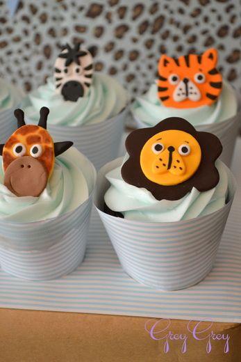 safari party cupcakes