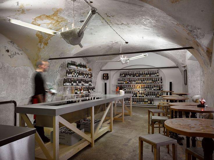 Znovuotevřený vinný bar Bokovka v Dlouhé ulici