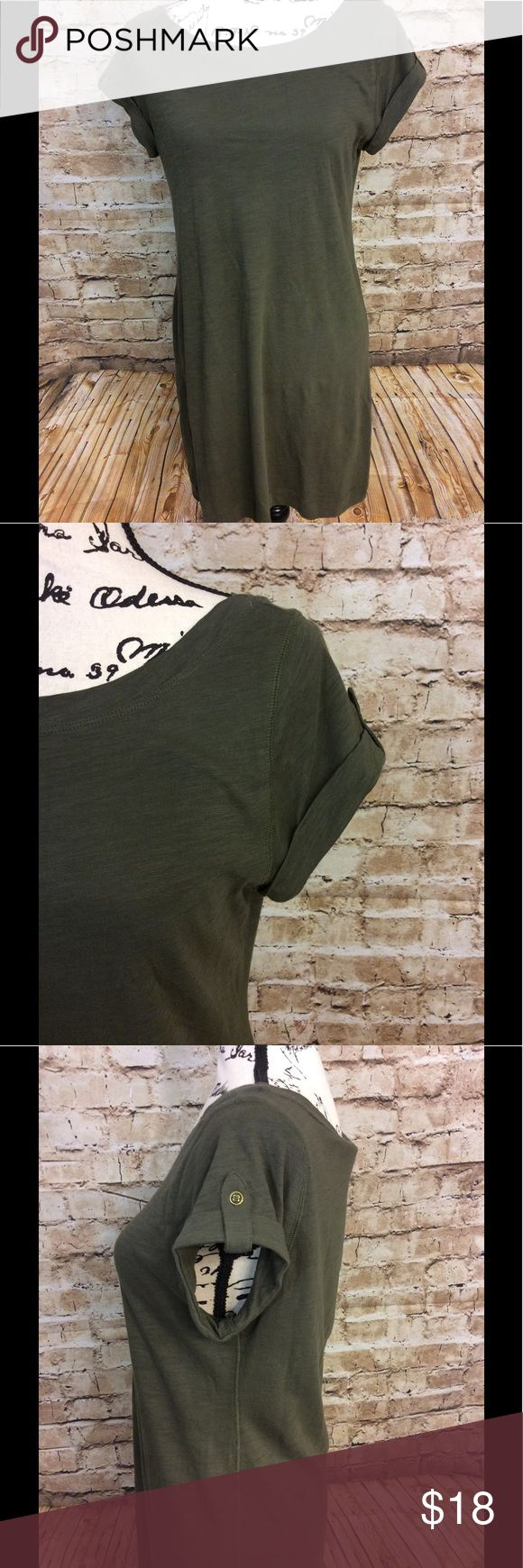Banana republic green 100% cotton T-shirt dress Very gently used banana republic 100% cotton boat neck army green T-shirt dress short sleeve with rolled cuff with button flap on shoulder Very lightweight Length from top to bottom 35 inches Armpit armpit 17 inches Arm length 4 1/2 inches Banana Republic Dresses Midi