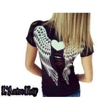 T shirt Angel - Romantique pour les femmes qui aiment la dentelle et qui rêveraient d'être un ange. Disponible sur L'Antre Noir