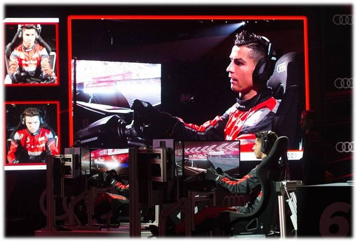 #RM Players pitted their driving skills against each other in a simulated race to see who was the king of the race....Audi (Spain) organised a competition between players with formula E simulators...