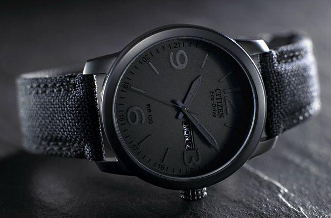 De Citizen Eco Drive Stealth: Een compleet zwart horloge die je moet opwinden