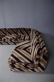 Bildresultat för soffa i zebrarandig plysch