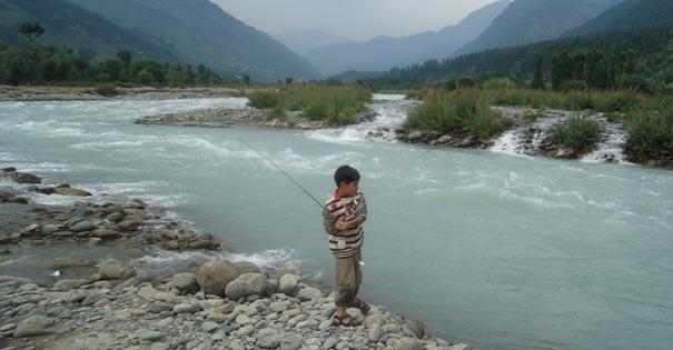 Things to Do in Kashmir:-Fly fishing in Kashmir