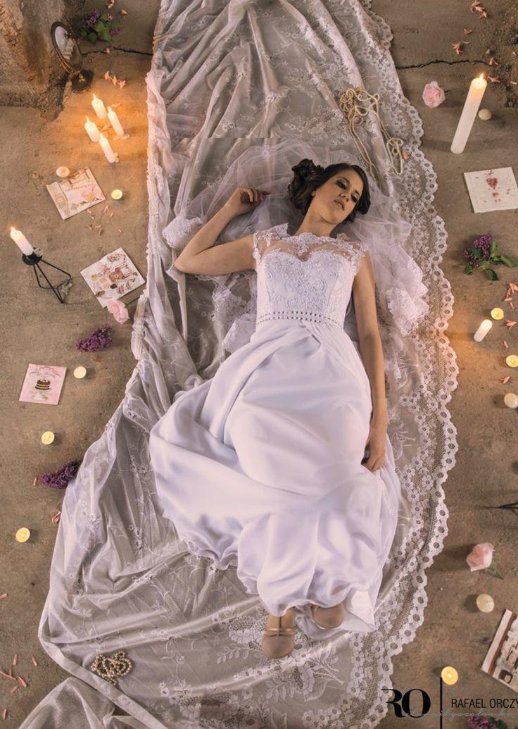 Iza csipke menyasszonyi ruha