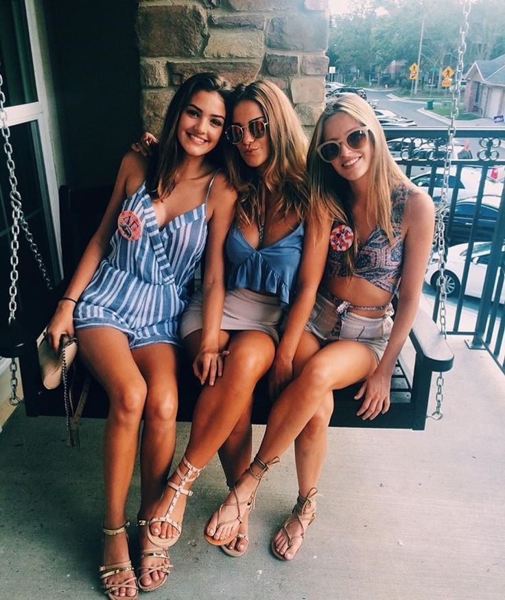 Nude college girls in public-9109