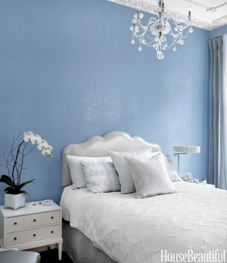 17 Space Saving Design Ideas for Small Bedrooms