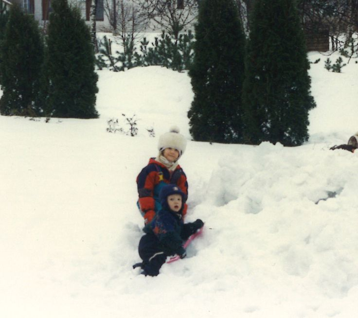 """#Reima70 Here is our marketing assistant Maria: """"Here is me and my little brother, we are building a snow castle. My Mom remembers, that my brother is wearing Reima. Picture is taken in 1998, Puistola, Helsinki."""""""