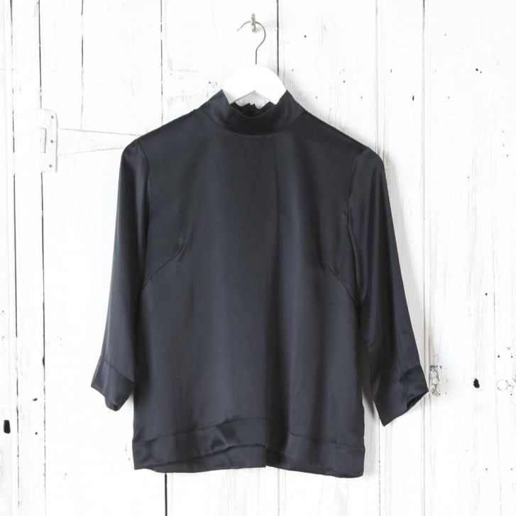 BITTE KAI RAND Silk Swing Turtleneck