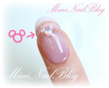 Mini Nail Blog: Back from Holiday w Mickey Mouse Nail Art (o^∇^o)ノ