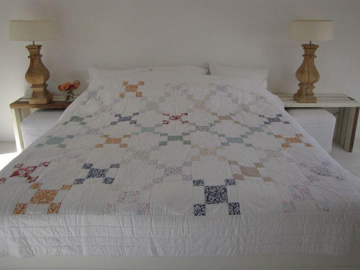 Handgemaakte quilt nummer 7 260 cm 260 cm - € 225,00   VIA CANNELLA WOONWINKEL   CUIJK