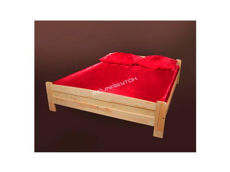 Krásna manželská posteľ vyrobená z kvalitného borovicového masívneho dreva.
