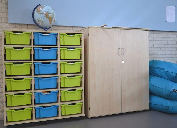 Licht houten kasten, met frissen accenten Artwork: Interieurontwerp Susan Burgers Element ontwerp & uitvoering Fotografie Conny van Dilst