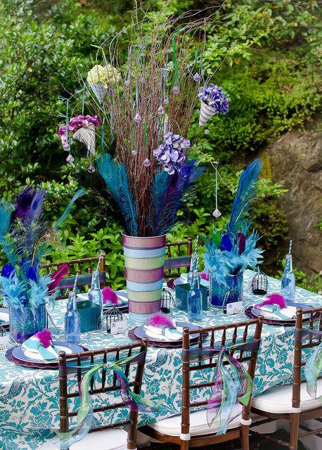Gorgeous peacock dinner table