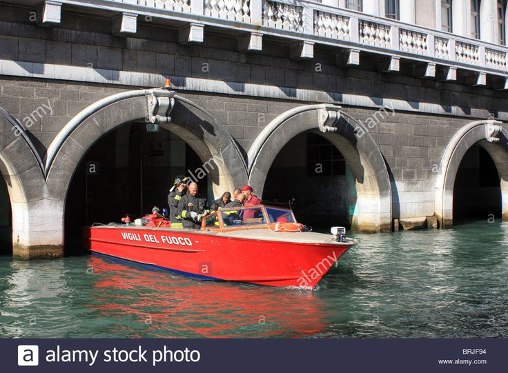 Venetian Firefighters In A Vigili Del Fuoco (fire Boat) At The Fire Stock Photo, Royalty Free Image: 31754608 - Alamy