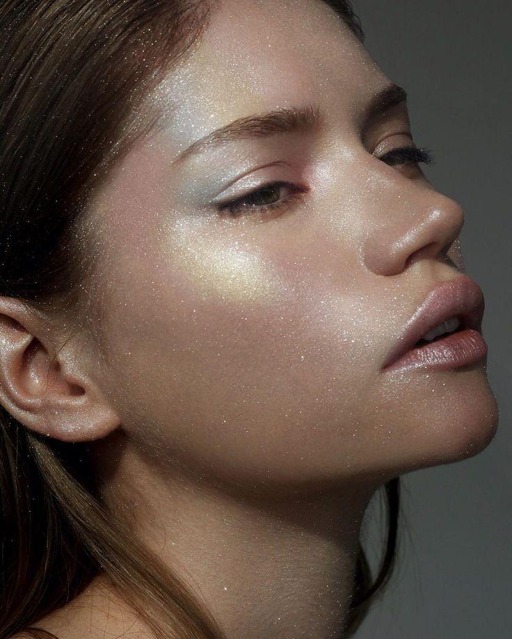 Obsessed with shiny skin !!! My work for #TurnYourSkinOn #patmcgrathlabs003 #patmcgrath @patmcgrathreal  many thanks #photo  @alexaleroy  #model @lovemigu  #mywork #mymakeup #mua #make #makeup #makeupartist #nikakislyak #cosmetics #hilights #shining #skin #хайлайтер #косметика #никакисляк #визажист #макияж #SKINFETISH003 by nikakislyak