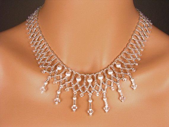 Collar de cristal collar nupcial boda por TwoBeWedJewelry en Etsy, $175.00