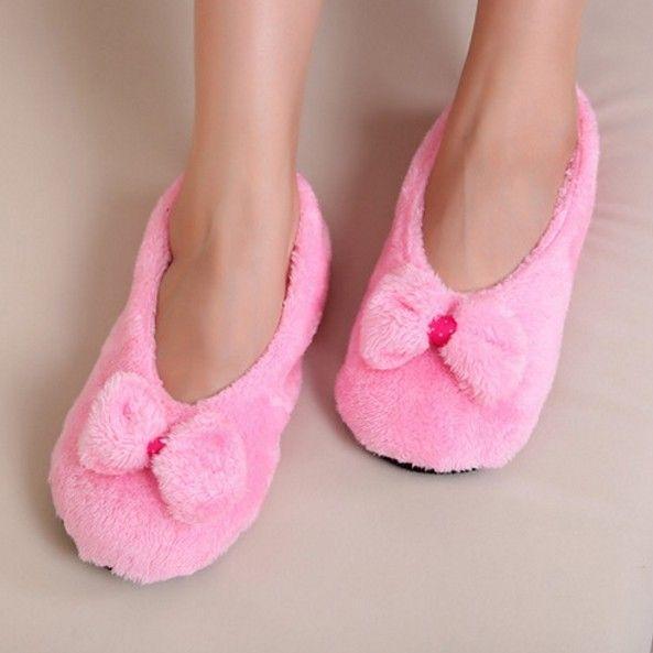 Luxusní dámské pantofle RŮŽOVÉ – SLEVA 60% a POŠTOVNÉ ZDARMA Na tento produkt se vztahuje nejen zajímavá sleva, ale také poštovné zdarma! Využij této výhodné nabídky a ušetři na poštovném, stejně jako to udělalo již …