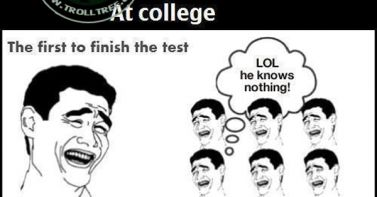 English difference between university and collage