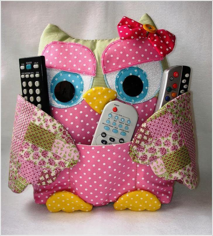 Совы: Сумки, подушки, игрушки. Owls: bags, pillows, toys, purses ~ http://www.handmadiya.com/2013/11/Podushka-sova.html