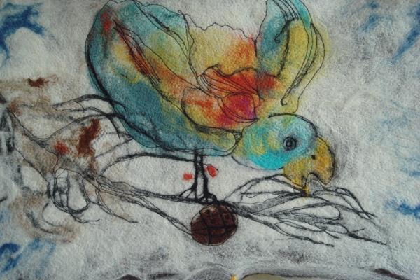 birdie nut. A felted piece.