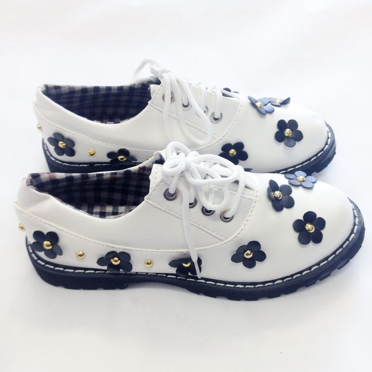 90s White Daisy Pumps Shoes Grunge Doc Style Round Toe Lace Up | Daisies Lace And Pump Shoes