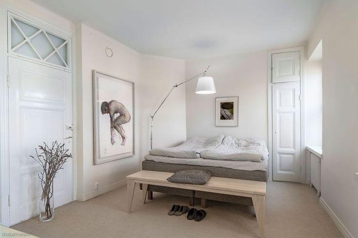 Vanhaan talon remontoidusta loftista on saatu viihtyisä ja tyylikäs koti. Värimaailma on tarkkaan harkittu ja muutama värikäs huonekalu ja taulu...