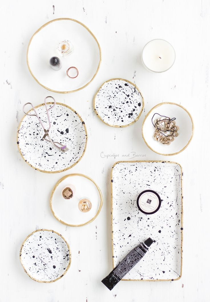 DIY Air Dry Clay Bowls / Jewelery Dishes Inspiration   http://cupcakesandberries.at
