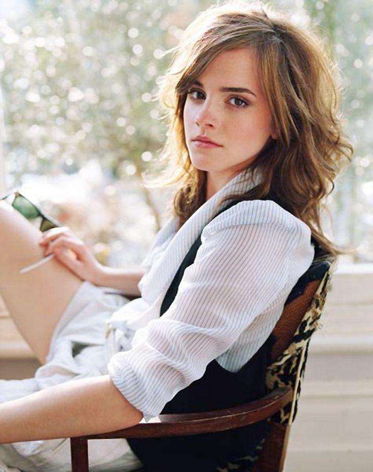 I love Emma Watson and her style!!