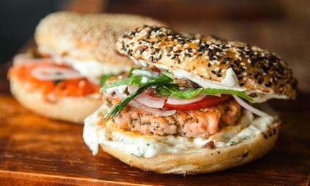 Formule complète avec bagel, accompagnement, boisson et dessert ou hot dog dès 8,90 € chez Best Bagels Croix Rousse