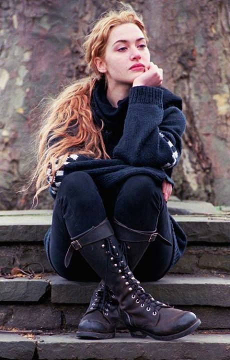 Kate Winslet in 1996. She looks very comfortable and calm in the cold weather surrounding her. Her outfit is still in style and I love it!