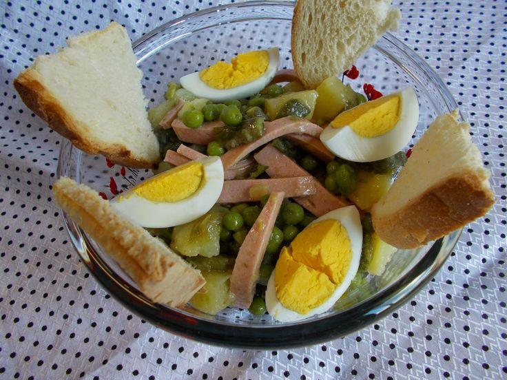 LA VERA  IN BUCATARIE: Salata cu mazare si oua fierte