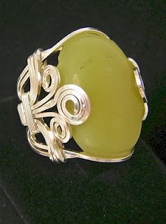 Free jewelry tutorials http://www.diynetwork.com/videos/all-wrapped-up/7676.html