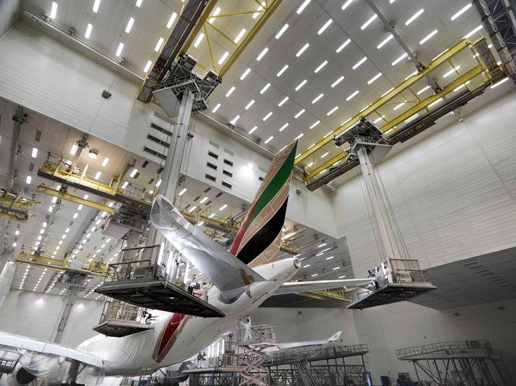 paint - Emirates Airline