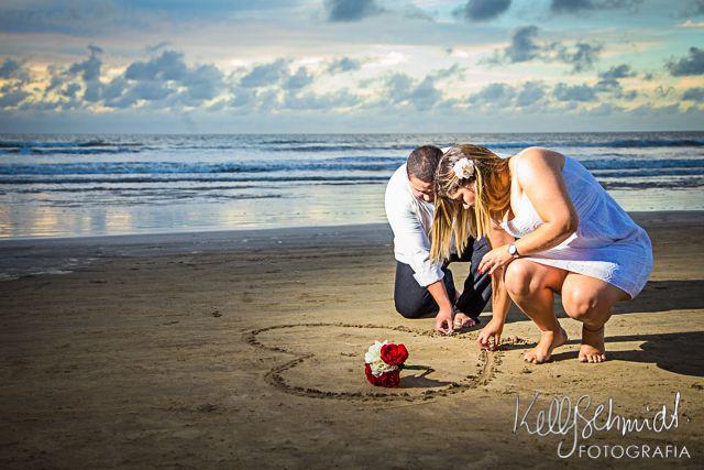 http://www.kellyfotografia.com.br/pre-wedding-pamella-e-paulo-praia-do-cassino-rio-grande-rs/
