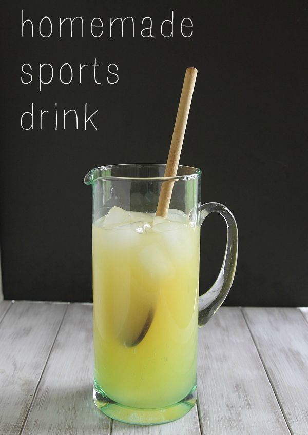How to make a homemade sports drink - Running to the Kitchen