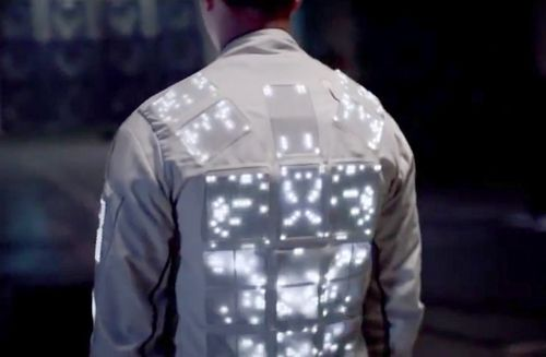 Wearable Tech: Phone-Control Garments Charge Fashion Runways
