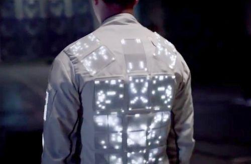 Wearable Tech: Phone-Control Garments Charge Fashion Runways