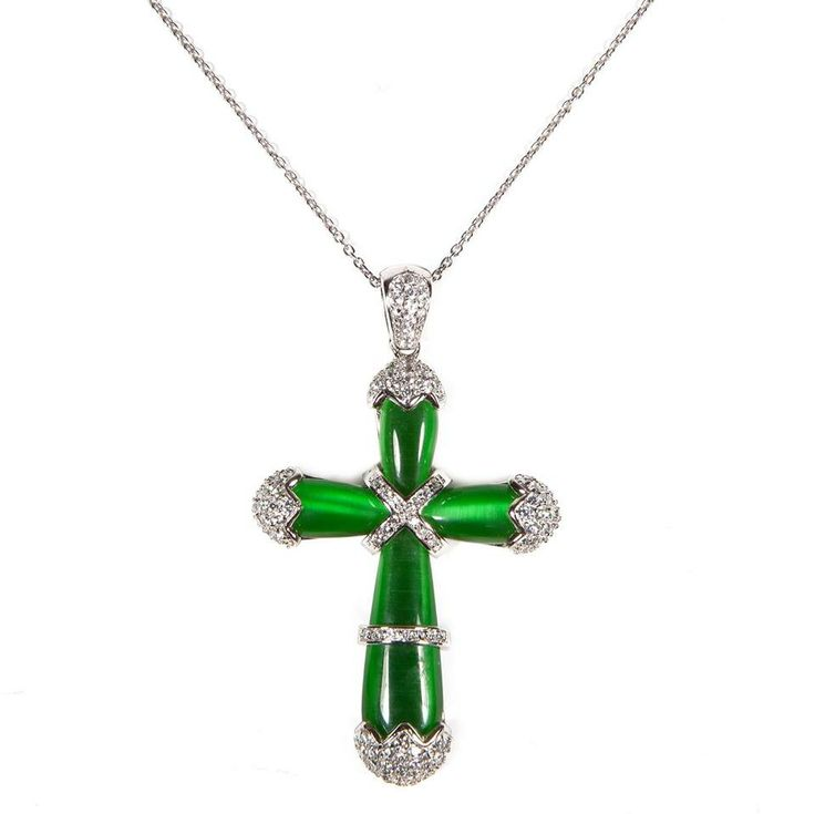 Collana in #argento con pendente al #quarzo verde e zirconi. Di grande impatto ed #eleganza.  This eye-catching silver mid-weight cross #pendant, is crafted from green hydrothermal quartz, with some silver insert of white cubic zirconia. Wear it solo for a maximum impact.  #jewel #fashion #outfit #necklace #ultimaedizione