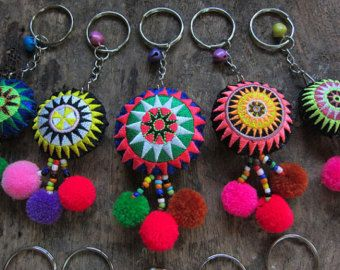 50pcs venta por mayor círculo llaveros Hmong bordado por midgetgems